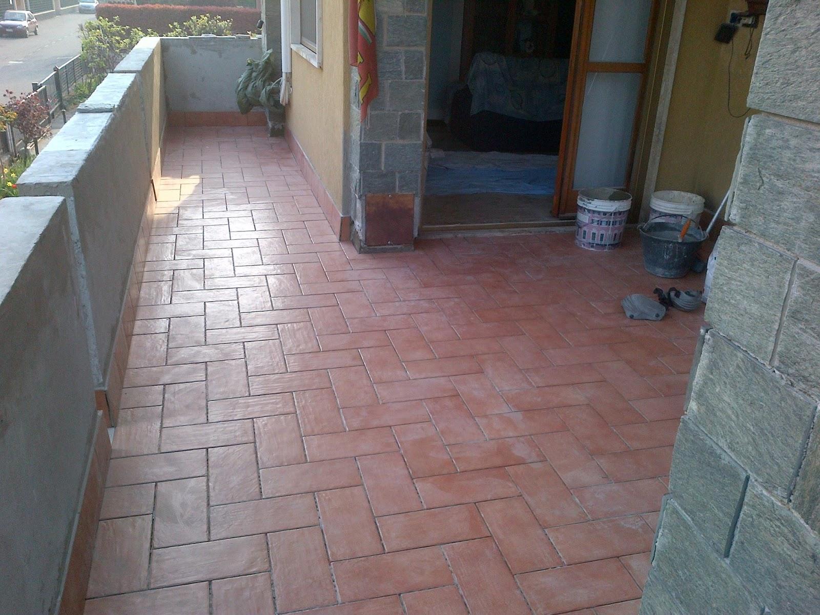Rimozione piastrelle pavimento ristrutturazione casa 155 mq