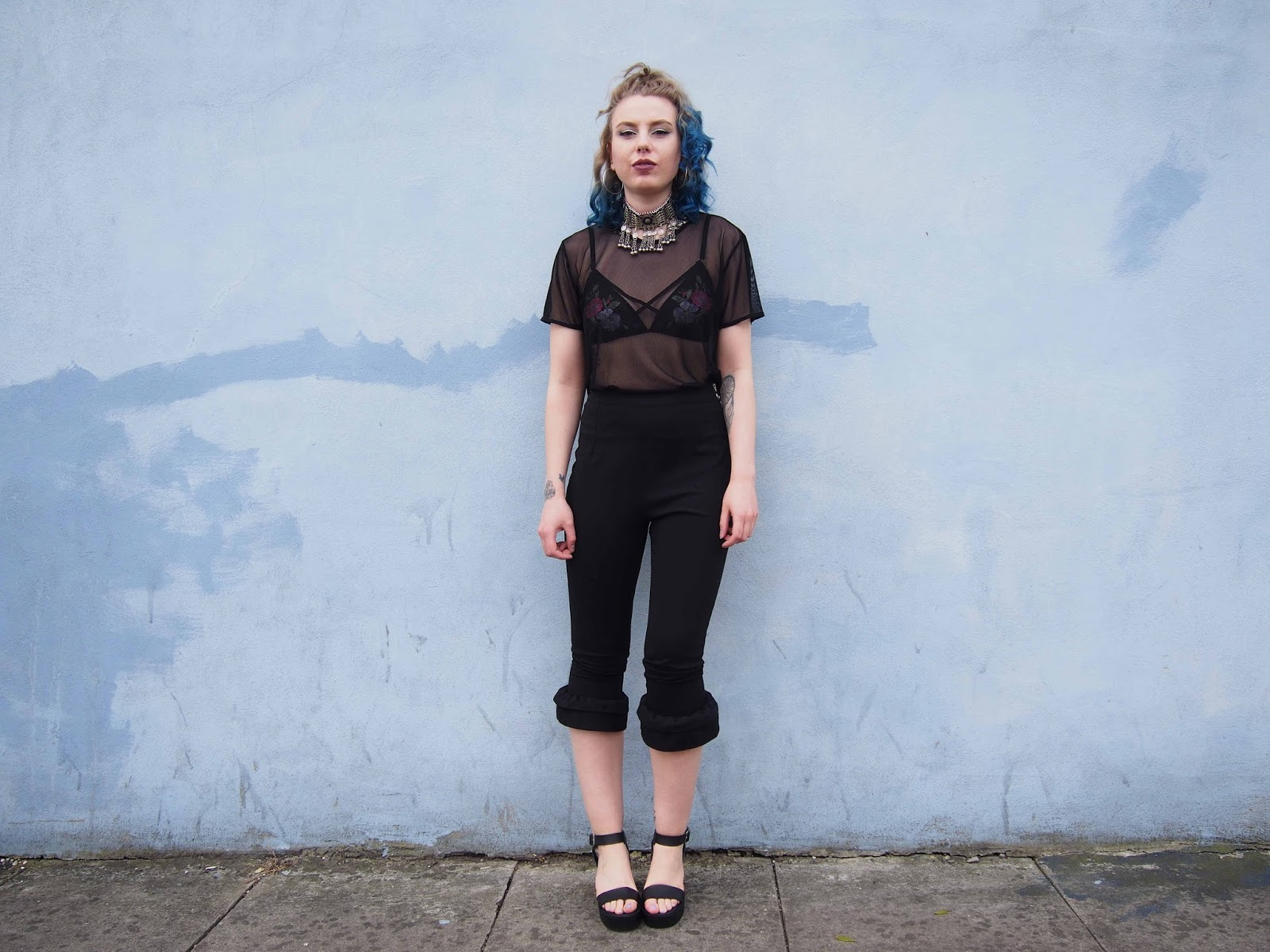 spring outfit, spring outfit ideas, fashion trend 2017, 2017 ss fashion trend, gunge outfit ideas, grunge outfits, chunky shoes, mesh top, harness bralette