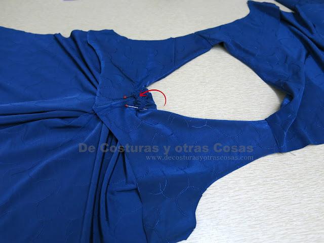 como hacer una blusa con escote pico drapeado