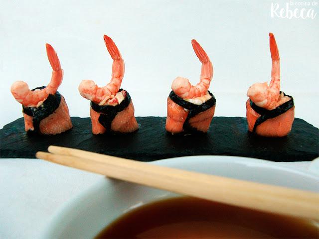 Rollitos de salmón ahumado con gambas