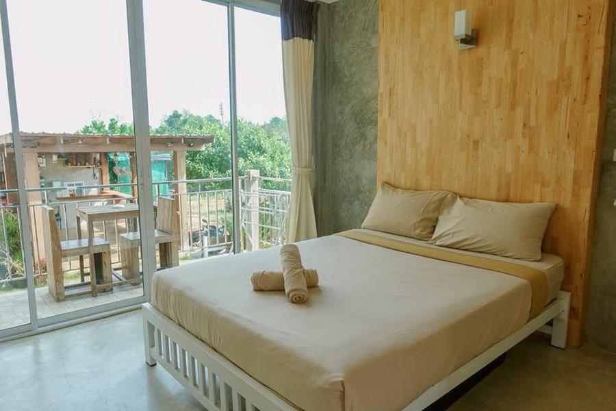 เช็คอิน รีสอร์ท เกาะล้าน (Check-in Resort Koh Larn)