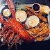 龙虾螃蟹海鲜再加上辣死你吗杂烩大拼盘,海鲜控们非常喜爱哦!