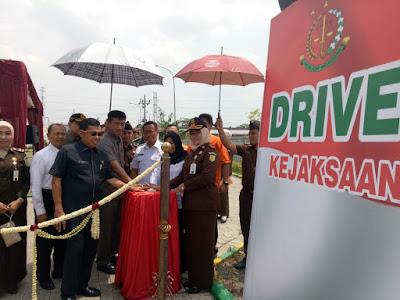 Drive Thru Tilang Kejari Kota Mojokerto, Kajati Jatim : Jadi Percontohan dan Patut Disebarluaskan