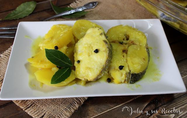 Merluza al horno con patatas. Julia y sus recetas