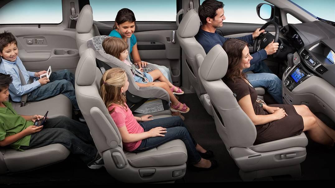 Như thế này vẫn còn rộng rãi chán với Honda Odyssey 2016