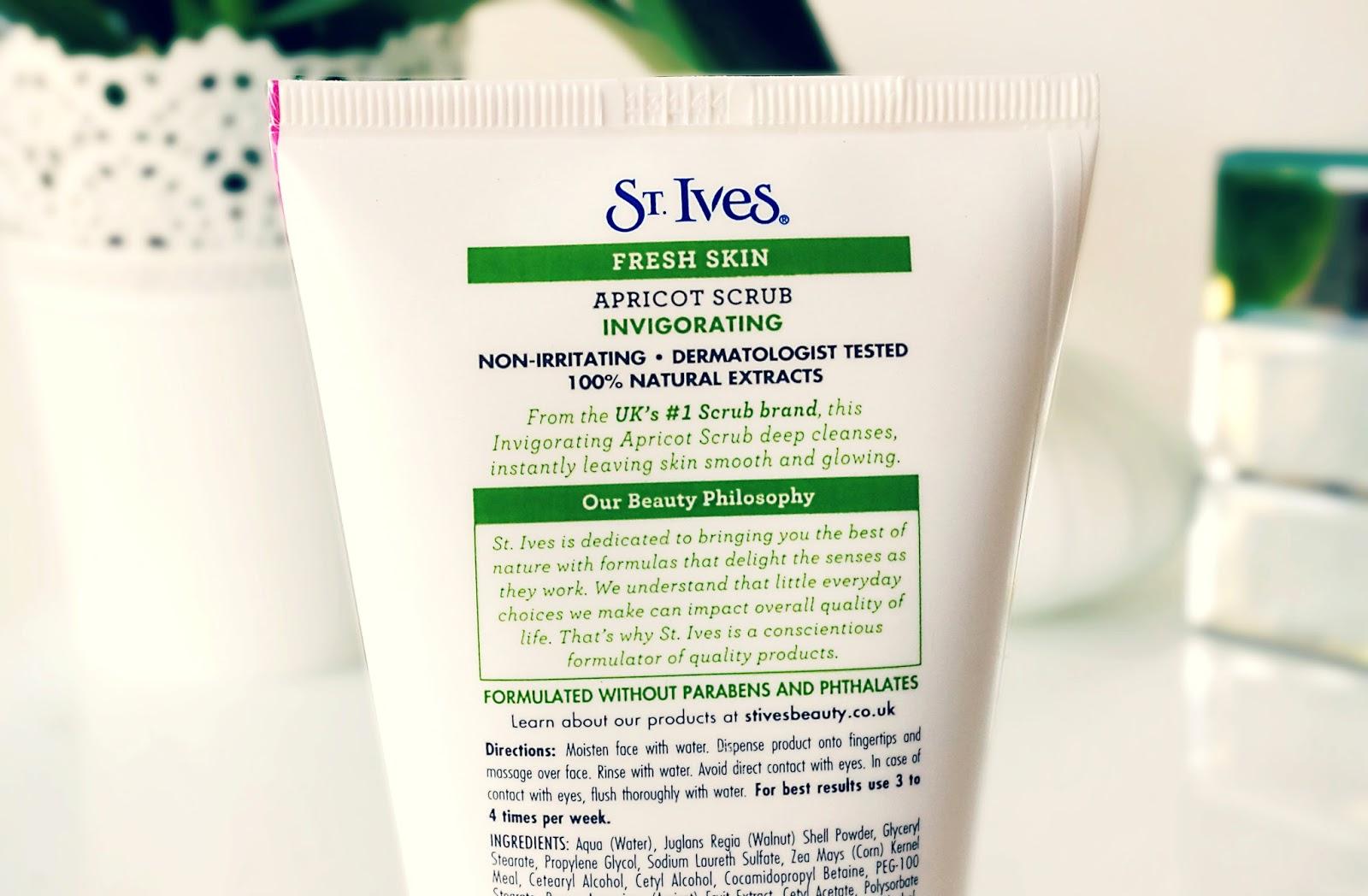 St Ives Fresh Skin Apricot Scrub Invigorating