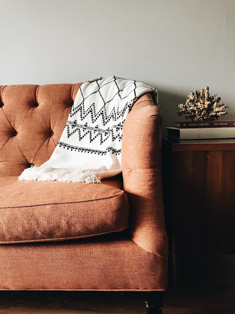 4 Easy Ways To Add Warmth To Your Home This Winter /// Design Fixation