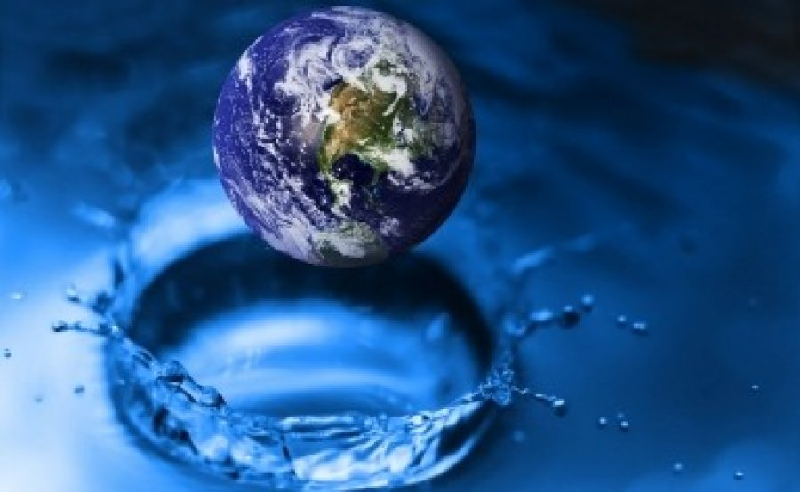 Resultado de imagem para fonte de água mineral