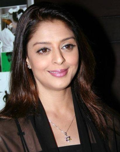 Nagma Wiki, Biodata, Affairs, Boyfriends, Husband, Profile