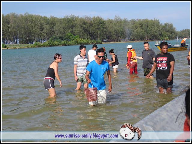 Clam Digging @ Kampung Mangkuk, Setiu, Terengganu