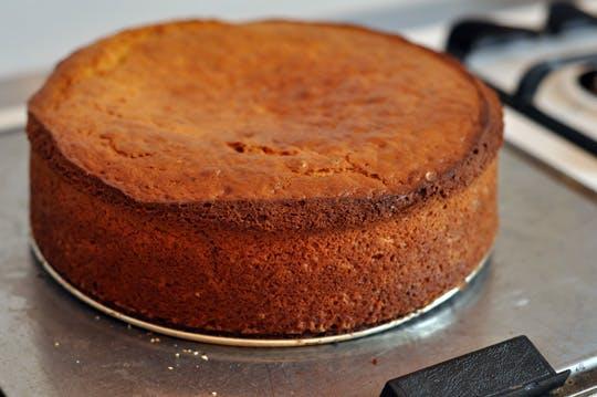 WEEKEND SPECIAL: SIMPLE AND HEALTHY YOGURT CAKE