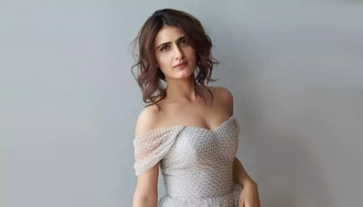 15 Hot & Spicy Photos of Fatima Sana Shaikh will Make Your Day