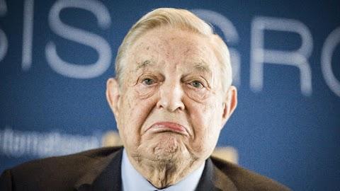 Nőket zaklattak Soros emberei