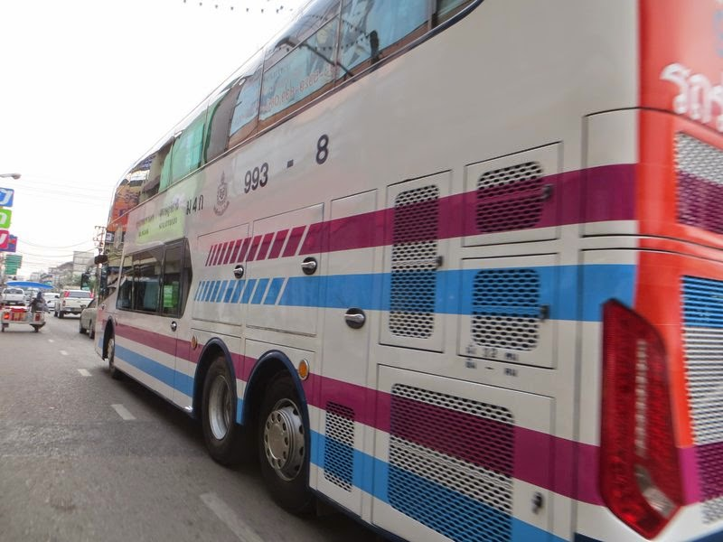 Тайский междугородний автобус