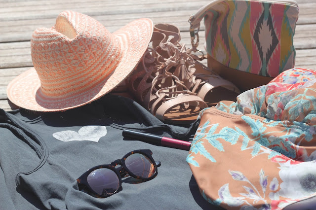 maituins-complementos-verano-zara-romwe-green_coast-loreal-wolfnoir