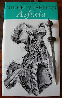 Portada del libro Asfixia, de Chuck Palahniuk