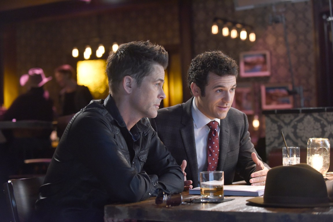The Grinder - Season 1 Episode 09: Grinder Rests in Peace