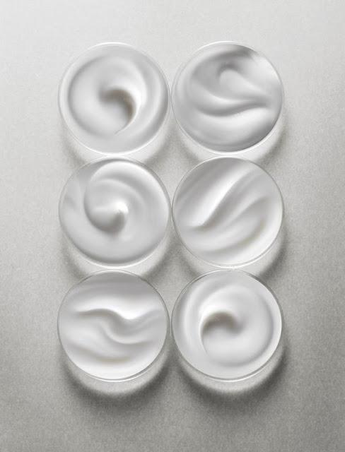 chloeschlothes-crème-escargot