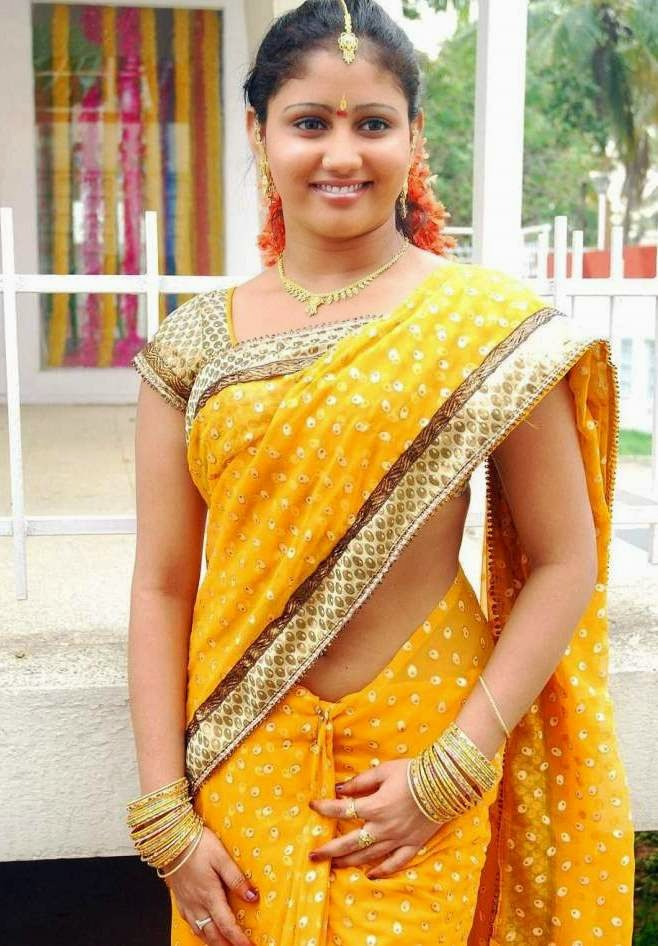 Actress Amrutha Valli Hot Navel Show In Saree Latest