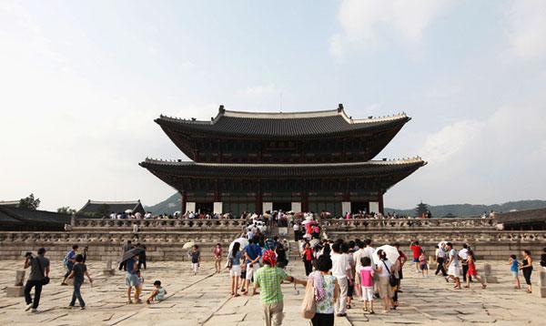 Gyeongbok Palace Wisata Korea Selatan Nuansa Kuno