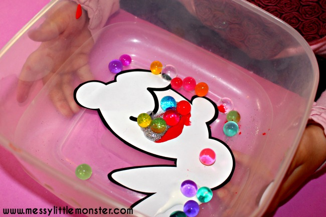 water bead or marble art project for kids. Toddler and preschooler bunny painting idea.
