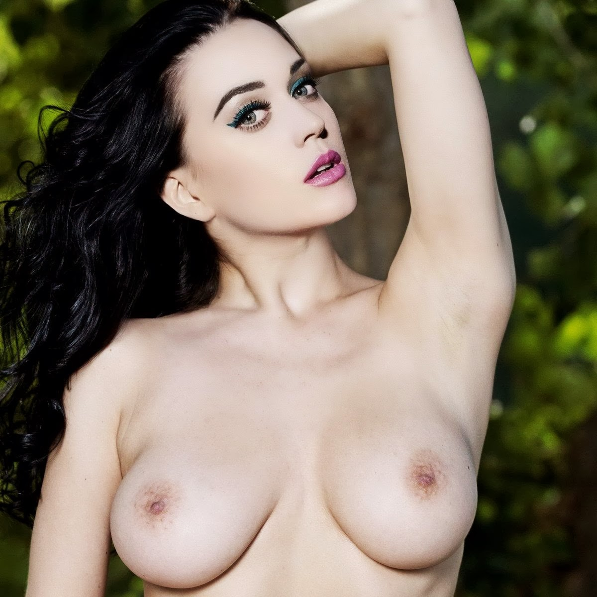 Katy Perry Nude Shows Huge Boobs While Eating A Banana