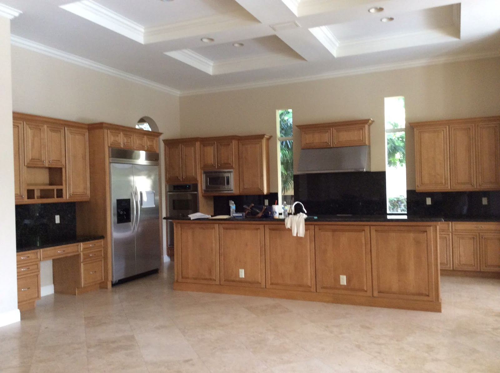 when a client with a young family wanted to create their florida vacation home the first thing that had to change was the kitchen - The Kitchen Redesign