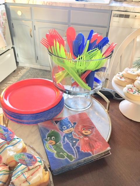 Superhero birthday party snacks