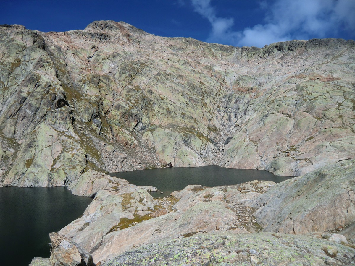 The twin lakes of Bessons in their basin