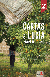 Portada de la novela LGBT Cartas a Lucía, de Mari Ropero, donde se aprecia a una muchacha debajo de un naranjo.