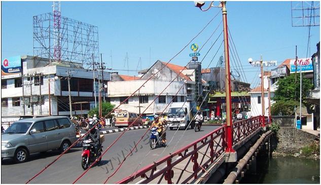 """Jembatan Merah Surabaya, Kenangan """"Ngumbah Moto"""""""