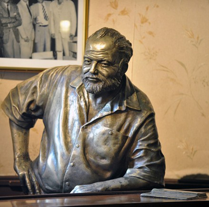 Ernest Hemingway at the bar in El Floridita, Havana by Cuban sculptor José Villa Soberón, 2003
