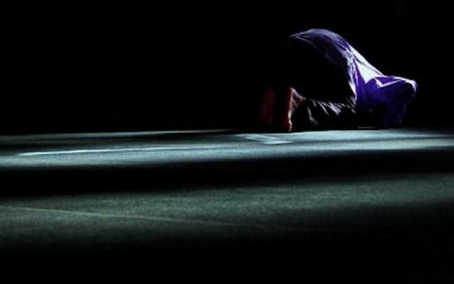 Doa Sholat Tahajjud Terlengkap dengan Tata Cara, Niat dan Artinya