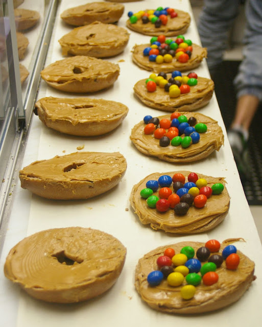 Bagelicious, Hawthorn, peanut butter, M&Ms, chocolate, bagel