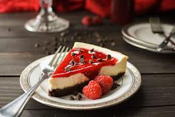 21 Day Fix Brownie-Bottom Cheesecake with Raspberry Sauce