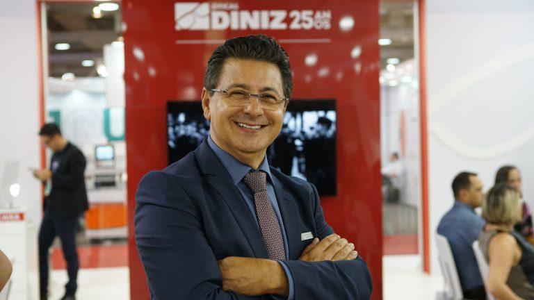 Empresário Arione Diniz é o fundador da rede de Óticas Diniz a4dd380de0