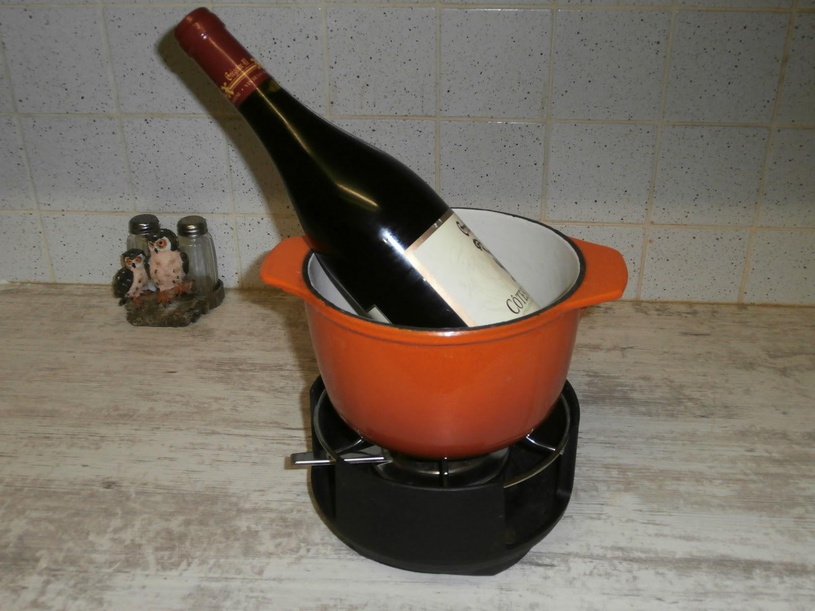 fondue bourguignonne au vin rouge fondue bourguignonne au. Black Bedroom Furniture Sets. Home Design Ideas