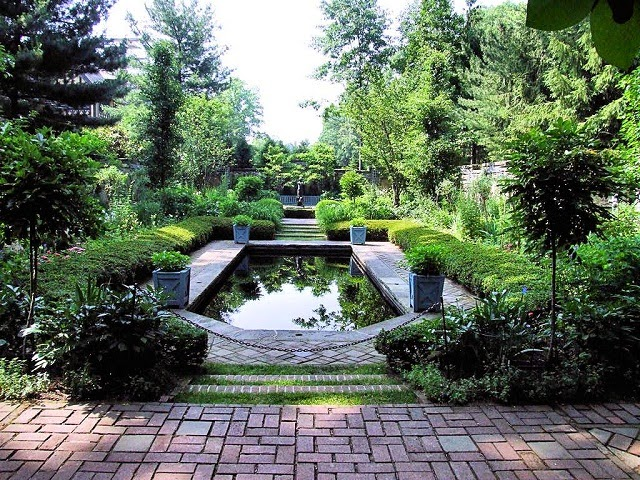 English-Style Gardens - AyanaHouse