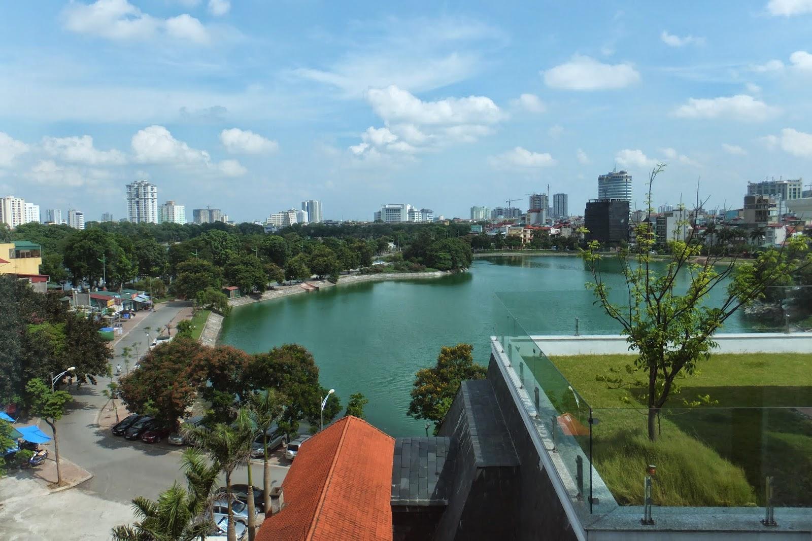 lake-side-view 湖のほとり