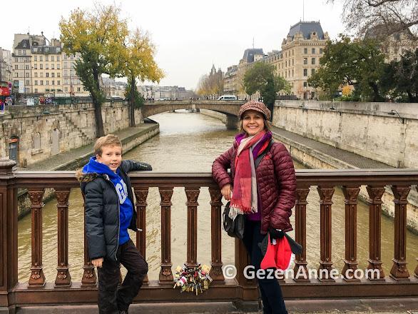 Paris gezilecek yerler, Seine nehri ve köprüler
