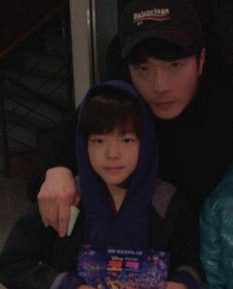 Fans Praise The Good Looks Of Kwon Sang Woo's Son!