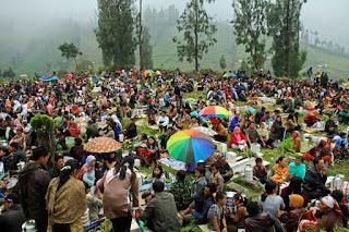 perayaan karo di desa ngadas