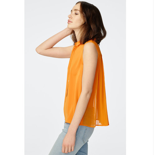 Pleated Sleeveless Collar Shirt