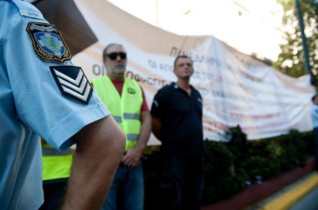 Αλβανία: Ελεύθερος αφέθηκε ο αστυνομικός φρουρός Έλληνα βουλευτή