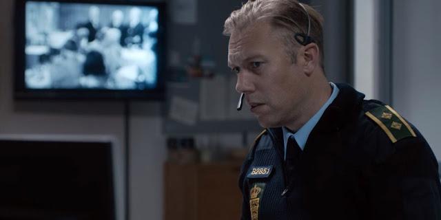 Crítica | Thriller dinamarquês Culpa concentra tensão em um único ambiente de maneira extremamente eficaz