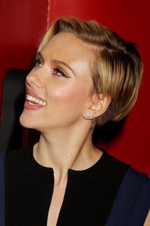 Scarlett Johansson Champions Of Rockaway Hurricane Sandy 7