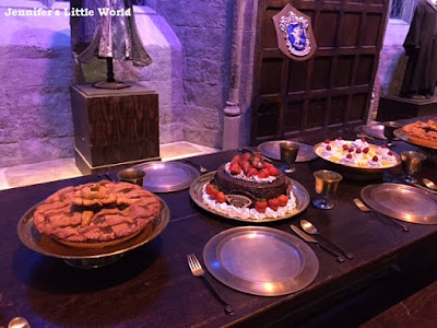 Food in the great Hall for Harry Potter