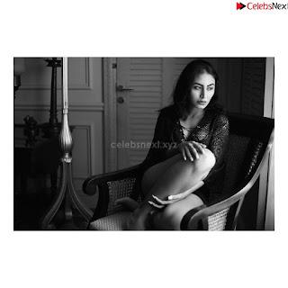 Katie Iqbal Bollywood debutant in Stunning Beauty .xyz Exclusive 008