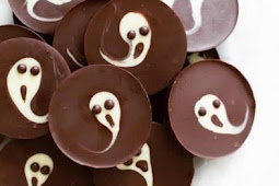 Easy 2-Ingredient Scary Ghost Chocolate Cups
