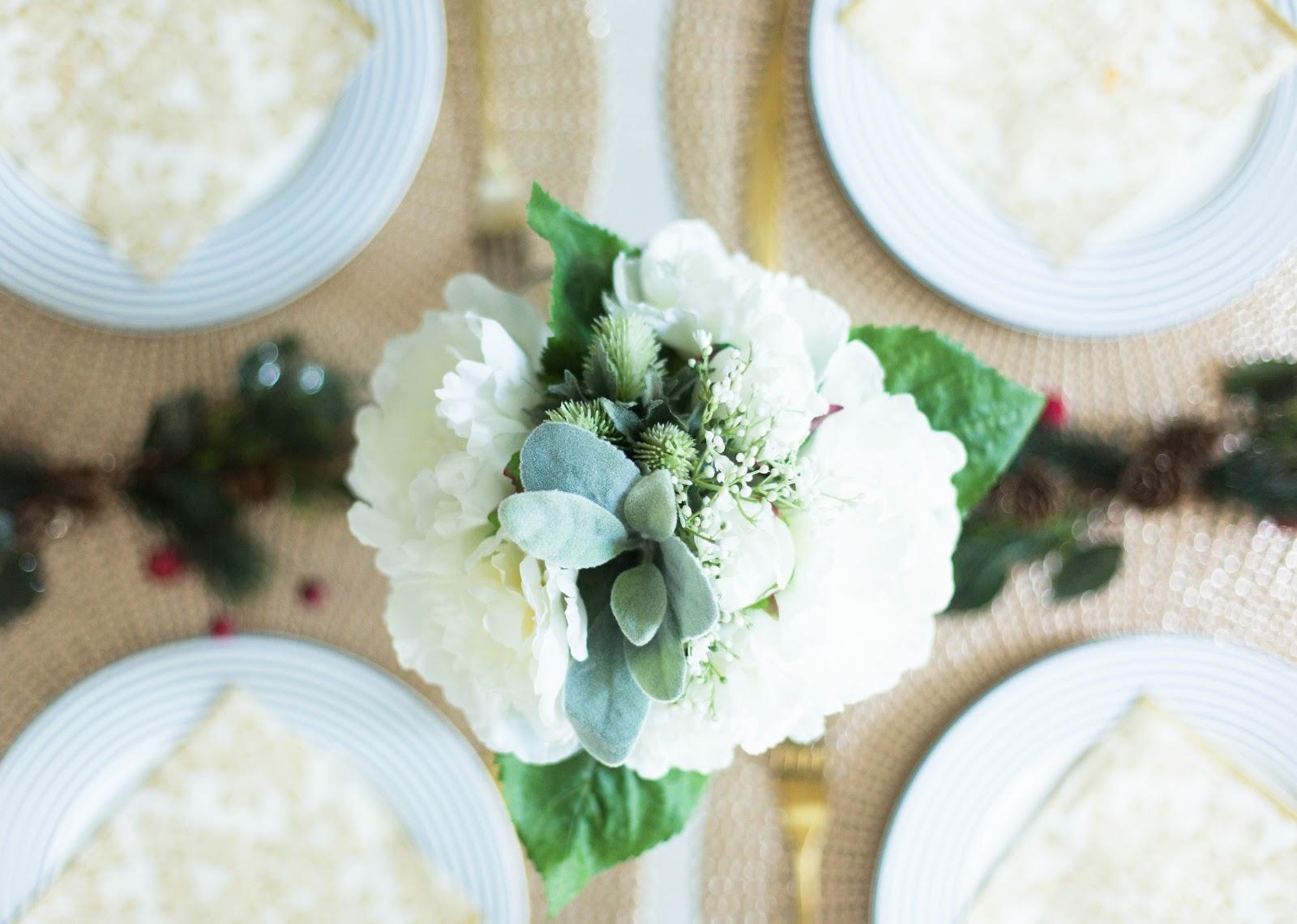 A CHRISTMAS BREAKFAST TABLE SETTING WITH LAURA ASHLEY | FINNTERIOR ...